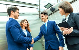帰国後の就職で英語を使う仕事を見つける方法