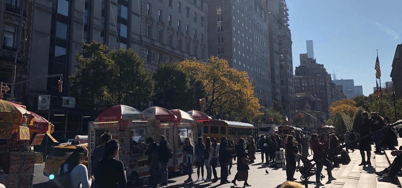 昼の街の写真