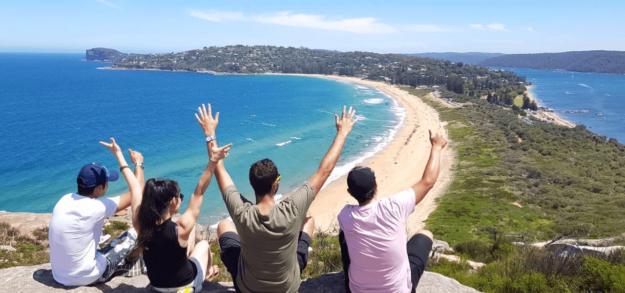 オーストラリアの海と佳美さんの写真