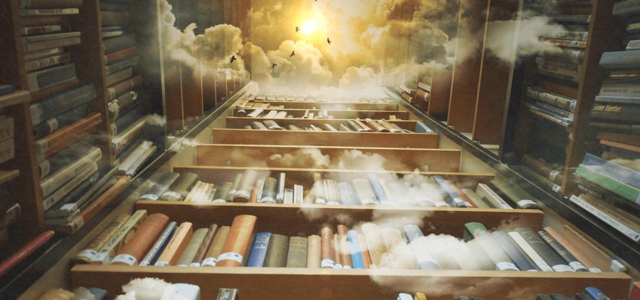 吹き抜けの図書館