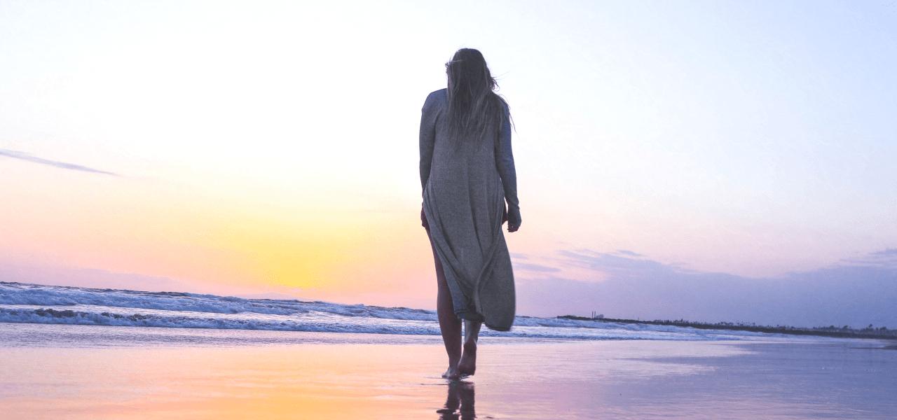 海外を夢見ているけど留学準備を面倒だと感じている女性