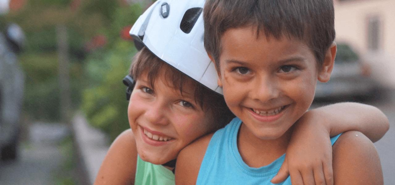 笑顔の外国の子供たち