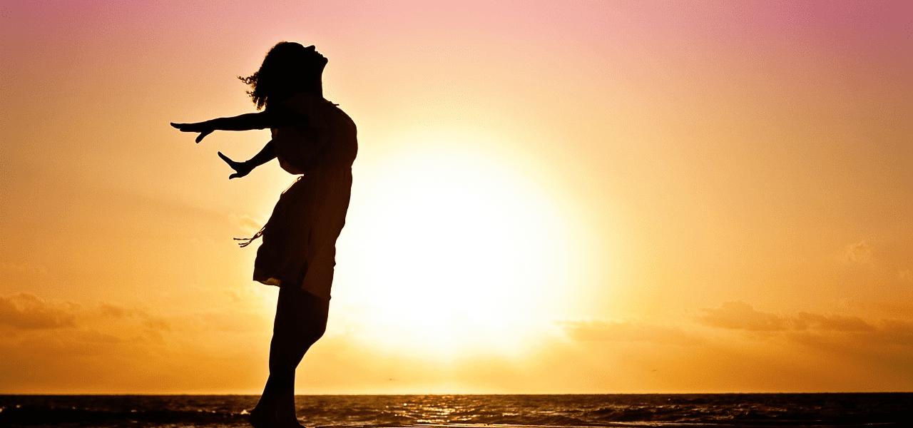 大人留学についてに将来を考えている女性