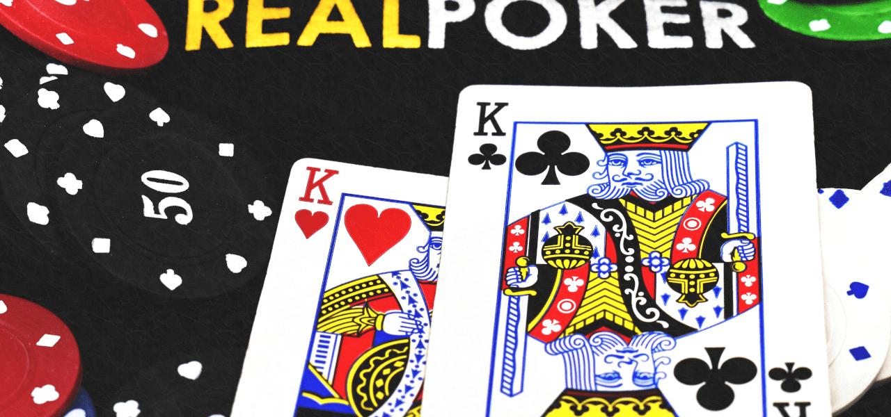 カジノでカードのキングが出た様子