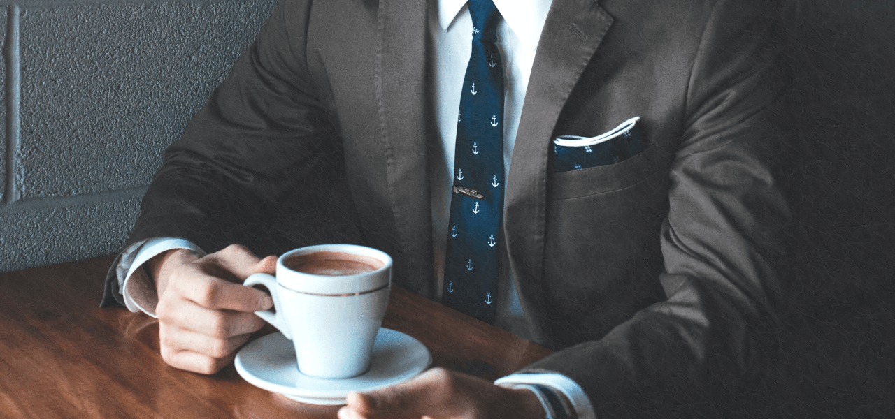 コーヒーを飲むサラリーマン