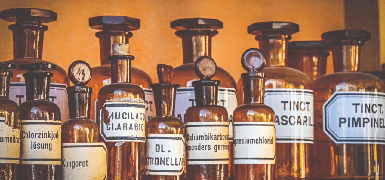 外国の薬のビン