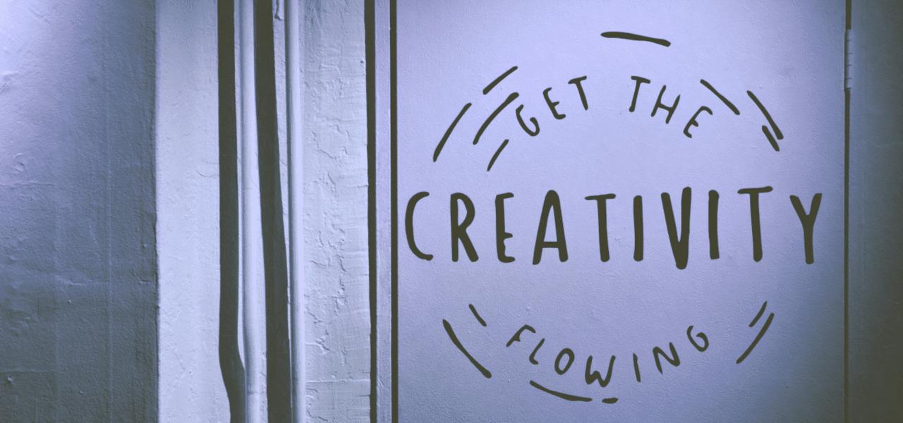 GET THE GREATIVITYと書かれた壁