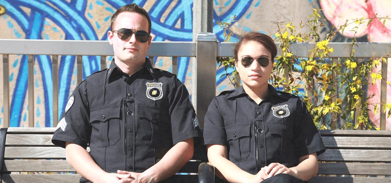 男性と女性の海外のセキュリティ