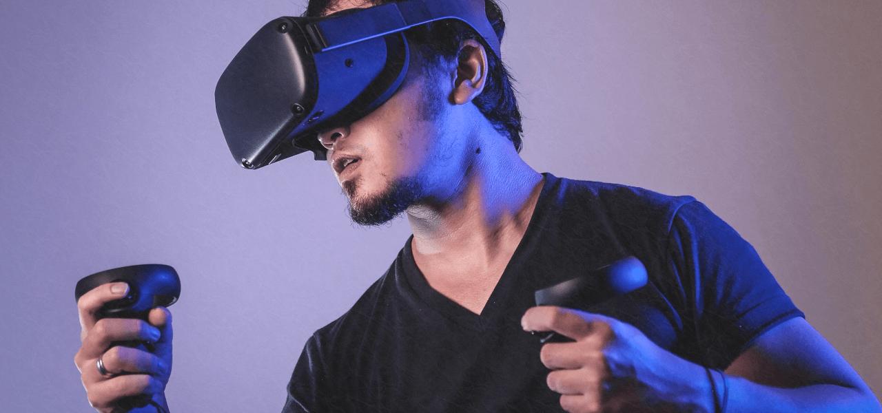 VRを楽しむ外国人