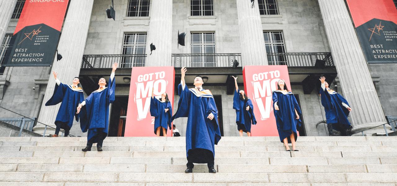海外大学の卒業式の様子